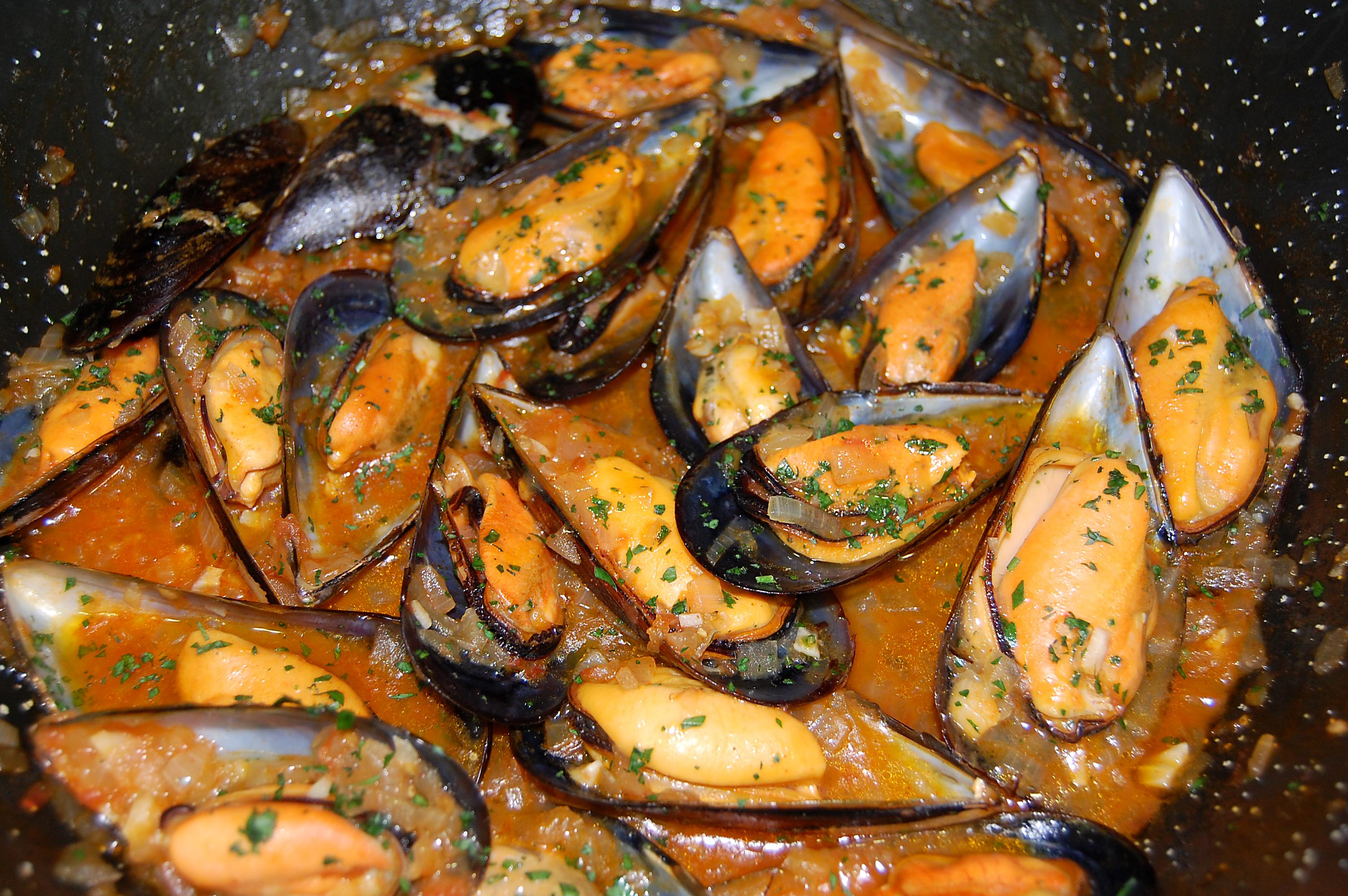 Mejillones en salsa marinera la vida y sus detalles for Hacer salsa marinera